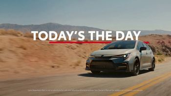 Toyota TV Spot, 'Today's the Day: Outsmart' Song by Bob Marley and the Wailers [T1] - Thumbnail 4