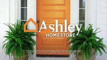 Ashley HomeStore Labor Day Sale TV Spot, 'Final Days: 30% Off' - Thumbnail 9