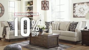 Ashley HomeStore Labor Day Sale TV Spot, 'Final Days: 30% Off' - Thumbnail 6