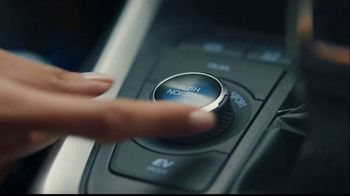 Toyota TV Spot, 'Today's the Day: energía híbrida' canción de Elvis Presley [Spanish] [T1] - Thumbnail 2