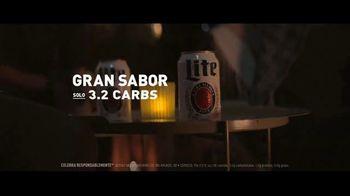 Miller Lite TV Spot, 'Amigos más cercanos' [Spanish] - Thumbnail 4