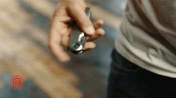 Crescent Pocket Knife TV Spot, 'Easy In, Easy Out' - Thumbnail 4