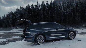 2020 Lincoln Aviator TV Spot, 'Warm Escape' Featuring Matthew McConaughey [T1] - Thumbnail 4