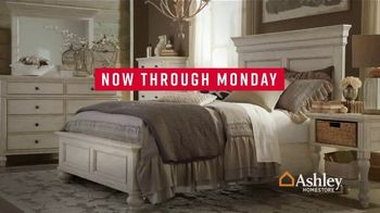 Ashley HomeStore Labor Day Sale TV Spot, 'Final Four Days: 25% Off Storewide' - Thumbnail 5
