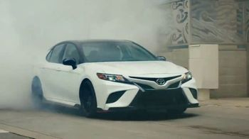 Toyota TV Spot, 'Today's the Day: Turn It Up' canción de OutKast [Spanish] [T1] - Thumbnail 7