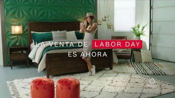 Ashley HomeStore Venta de Labor Day TV Spot, 'Camas y mesas' [Spanish] - Thumbnail 2