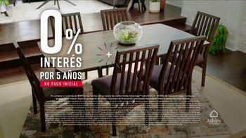 Ashley HomeStore Venta de Labor Day TV Spot, 'Camas y mesas' [Spanish] - Thumbnail 4