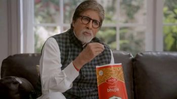 Bikaji TV Spot, 'Amitji Loves Bikaji: Bhujia' Featuring Amitabh Bachchan - Thumbnail 3