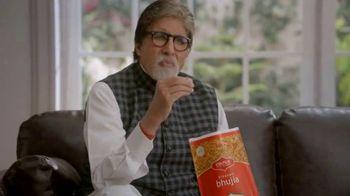 Bikaji TV Spot, 'Amitji Loves Bikaji: Bhujia' Featuring Amitabh Bachchan - Thumbnail 4