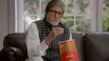 Bikaji TV Spot, 'Amitji Loves Bikaji: Bhujia' Featuring Amitabh Bachchan - Thumbnail 5