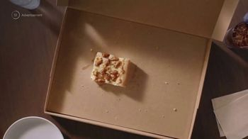 Pizza Hut Double It Box TV Spot, 'Feed the Whole Fam' - Thumbnail 8