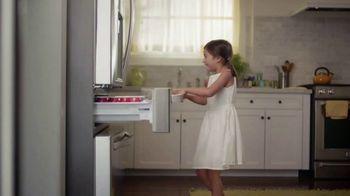 The Home Depot Labor Day Savings TV Spot, 'Cool Drinks & Homemade Treats: Samsung' - Thumbnail 2
