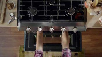 The Home Depot Labor Day Savings TV Spot, 'Cool Drinks & Homemade Treats: Samsung' - Thumbnail 3