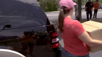 Wells Fargo TV Spot, 'Drive-Up Food Banks' - Thumbnail 3