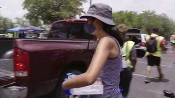 Wells Fargo TV Spot, 'Drive-Up Food Banks' - Thumbnail 4