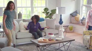 La-Z-Boy Labor Day Sale TV Spot, 'Whoa: Special Financing' - Thumbnail 2