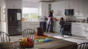 The Home Depot Labor Day Savings TV Spot, 'Cool Drinks & Homemade Treats: LG' - Thumbnail 7