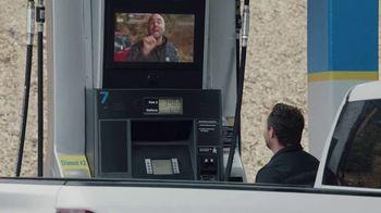 2020 Chevrolet Silverado TV Spot, 'Gasolinera' [Spanish] [T2] - Thumbnail 3