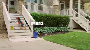 Lowe's TV Spot, 'Labor Day: Change Is in the Air: Mulch' - Thumbnail 3