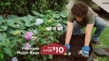 Lowe's TV Spot, 'Labor Day: Change Is in the Air: Mulch' - Thumbnail 7
