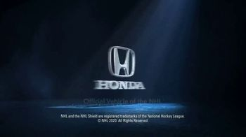 Honda CR-V Hybrid TV Spot, 'From the City to the Mountains' Song by Sia, Diplo, Labrinth [T1] - Thumbnail 9