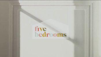 Peacock TV TV Spot, 'Five Bedrooms' - Thumbnail 8