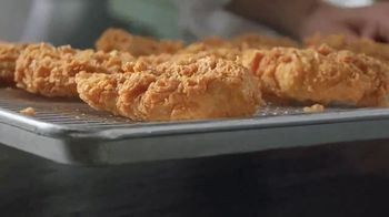 Popeyes Chicken Sandwich TV Spot, '¿Hace falta?' [Spanish] - Thumbnail 2