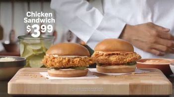 Popeyes Chicken Sandwich TV Spot, '¿Hace falta?' [Spanish] - Thumbnail 7