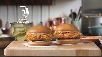 Popeyes Chicken Sandwich TV Spot, '¿Hace falta?' [Spanish] - Thumbnail 8
