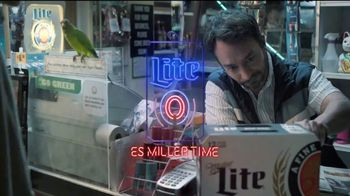 Miller Lite TV Spot, 'Decisiones' [Spanish] - Thumbnail 8