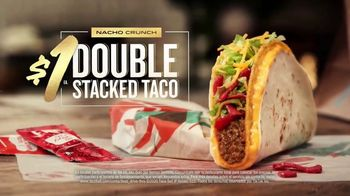 Taco Bell $1 Double Stacked Taco Nacho Crunch TV Spot, 'Nuevo desafío' [Spanish] - Thumbnail 4
