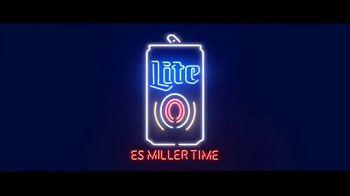 Miller Lite TV Spot, 'Junto a la piscina' [Spanish] - Thumbnail 4