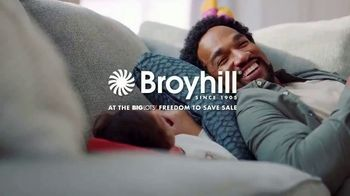 Big Lots Freedom to Save Sale TV Spot, 'Broyhill Sectionals'