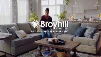 Big Lots Freedom to Save Sale TV Spot, 'Broyhill Sectionals' - Thumbnail 7