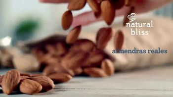 Coffee-Mate Natural Bliss Almond Milk Creamer TV Spot, 'Simplemente deliciosa' [Spanish] - Thumbnail 3