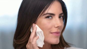 Neutrogena Hydro Boost TV Spot, 'Doble la hidratación: Cleansing Wipes' con Gaby Espino [Spanish] - Thumbnail 10