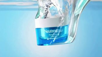 Neutrogena Hydro Boost TV Spot, 'Doble la hidratación: Cleansing Wipes' con Gaby Espino [Spanish] - Thumbnail 9