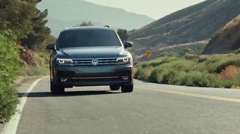 2020 Volkswagen Tiguan TV Spot, 'Tortoise' [T2] - Thumbnail 3