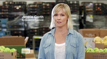 Feeding America TV Spot, 'Kids Worry About a Lot of Things' Featuring Jennie Garth - Thumbnail 3