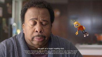 Honey Nut Cheerios TV Spot, 'Buzz Meets Leslie' Featuring Leslie David Baker - Thumbnail 5