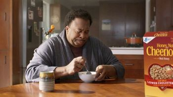 Honey Nut Cheerios TV Spot, 'Buzz Meets Leslie' Featuring Leslie David Baker - Thumbnail 9
