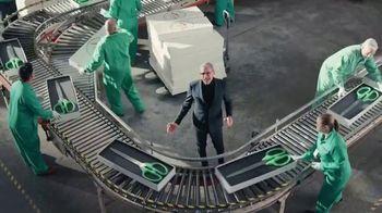 Apartments.com TV Spot, 'Big Scissors' Featuring Jeff Goldblum - Thumbnail 1