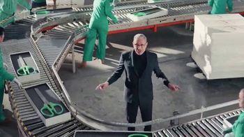 Apartments.com TV Spot, 'Big Scissors' Featuring Jeff Goldblum - Thumbnail 4