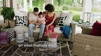 Ashley HomeStore TV Spot, 'Enjoy Home' - Thumbnail 5