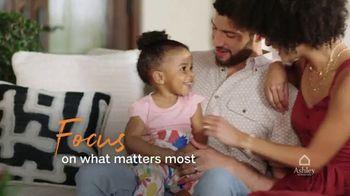 Ashley HomeStore TV Spot, 'Enjoy Home' - Thumbnail 6