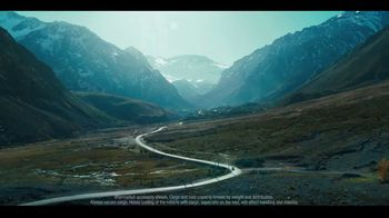 2020 Infiniti QX50 TV Spot, 'Snow and Surf' Song by Hannah Williams & The Affirmations [T2] - Thumbnail 4