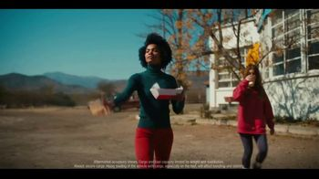 2020 Infiniti QX50 TV Spot, 'Snow and Surf' Song by Hannah Williams & The Affirmations [T2] - Thumbnail 5