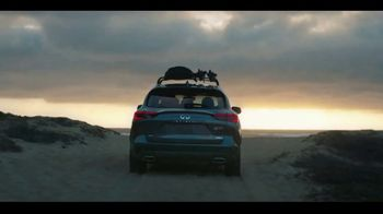2020 Infiniti QX50 TV Spot, 'Snow and Surf' Song by Hannah Williams & The Affirmations [T2] - Thumbnail 7