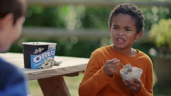 Breyers OREO Cookies and Cream TV Spot, 'Two Desserts' - Thumbnail 3