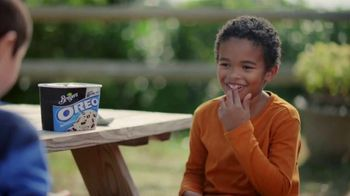 Breyers OREO Cookies and Cream TV Spot, 'Two Desserts' - Thumbnail 6